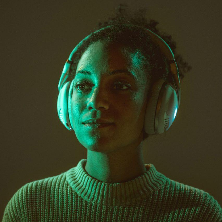 Iris Flow speakers