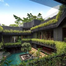Courtyard living: Contemporary houses of the Asia-Pacificby Charmaine Chan
