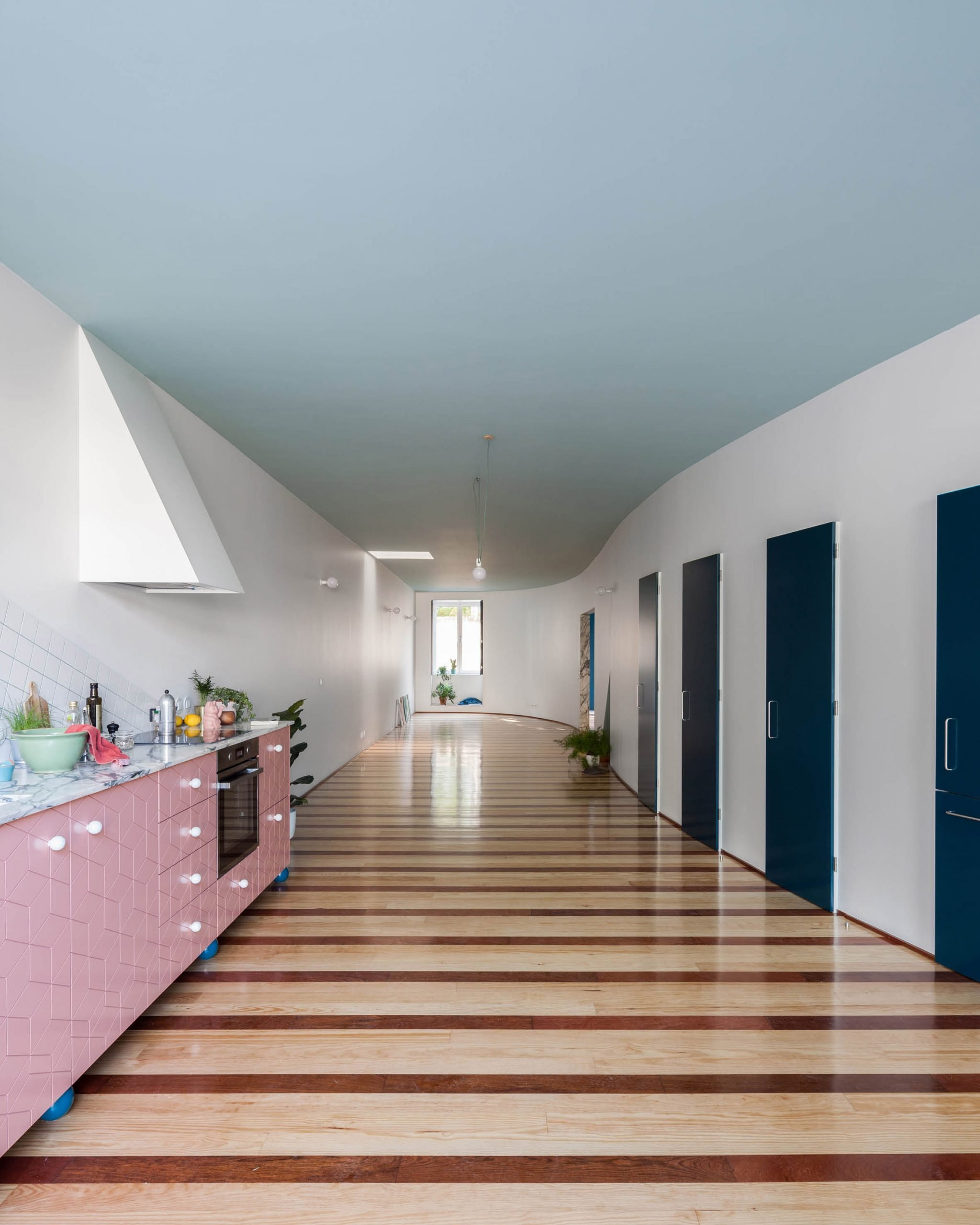 House in Fontaínhas by Fala Atelier