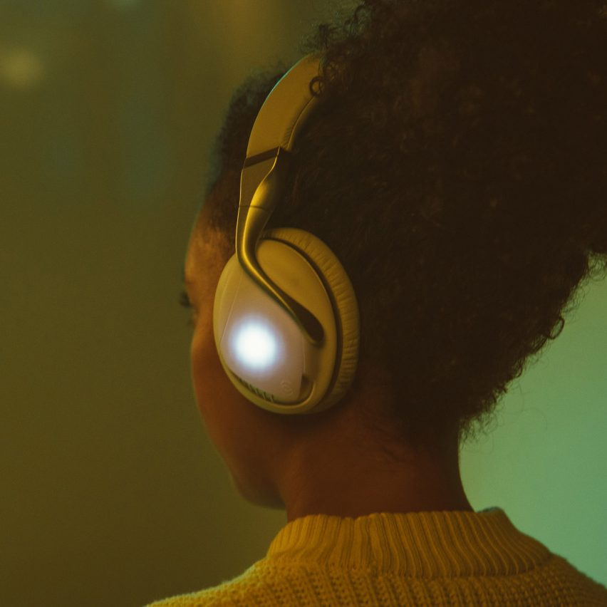IRIS Flow Headphones