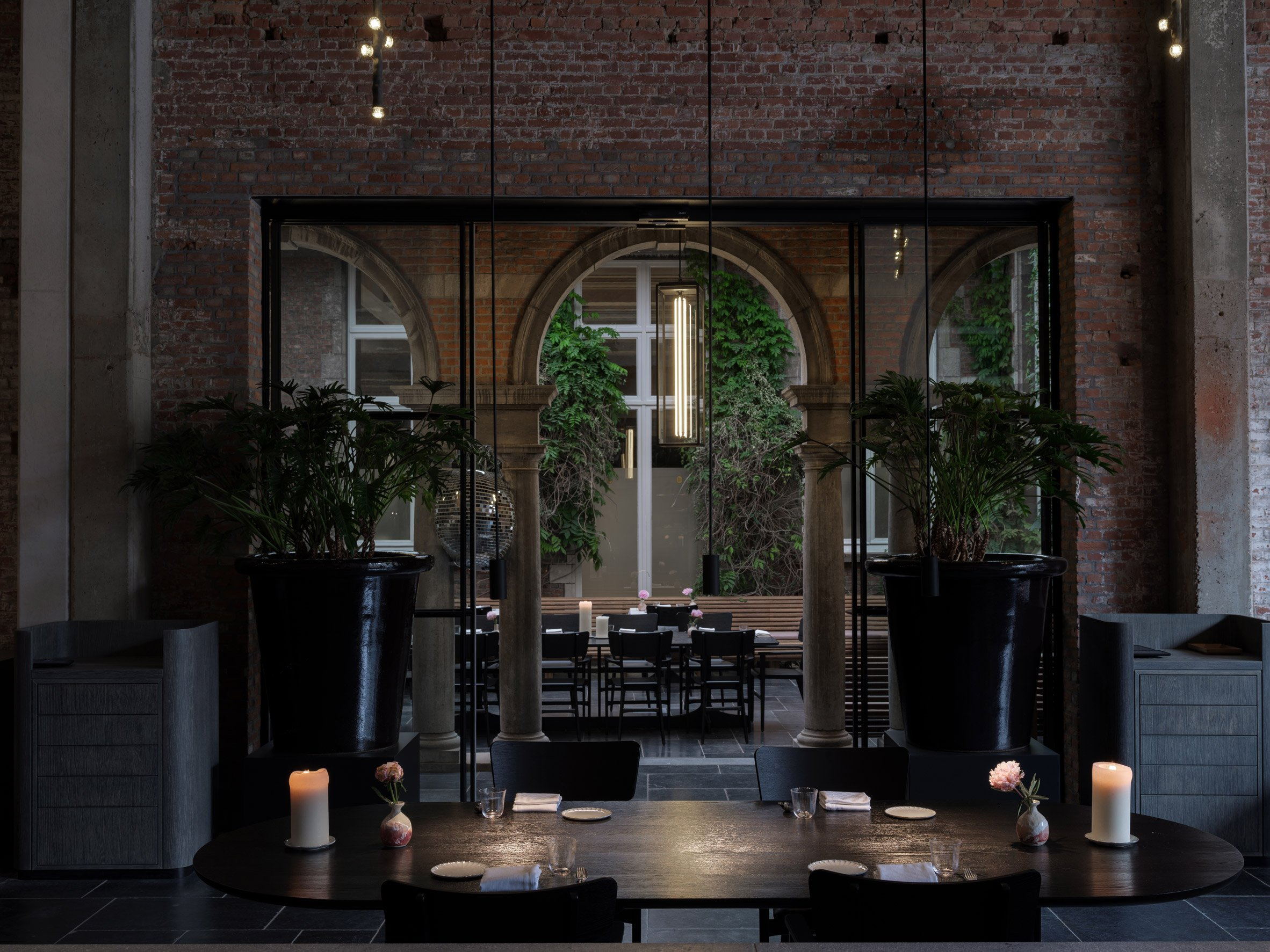 Le Pristine restaurant in Antwerp designed by Space Copenhagen