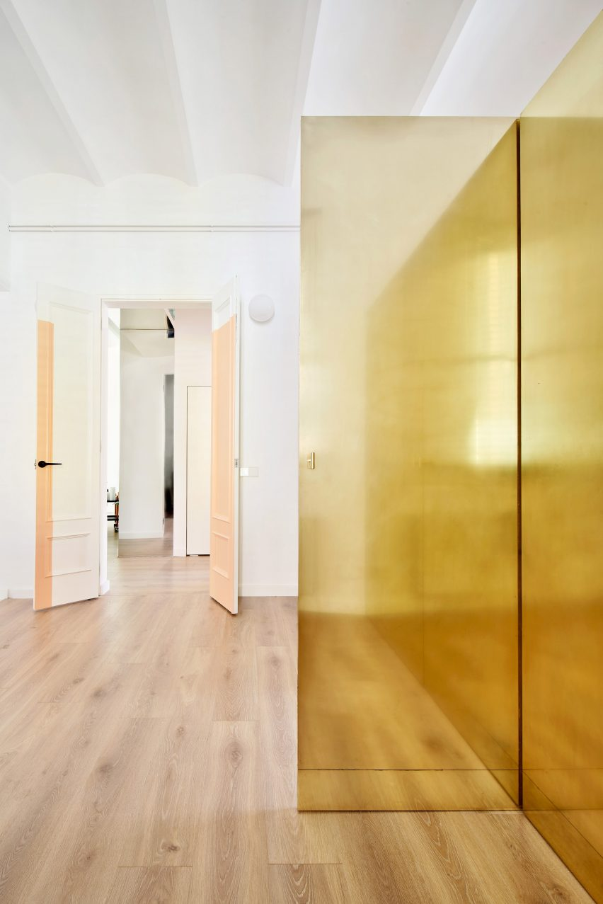 The Magic Box Apartment Raúl Sánchez Architects