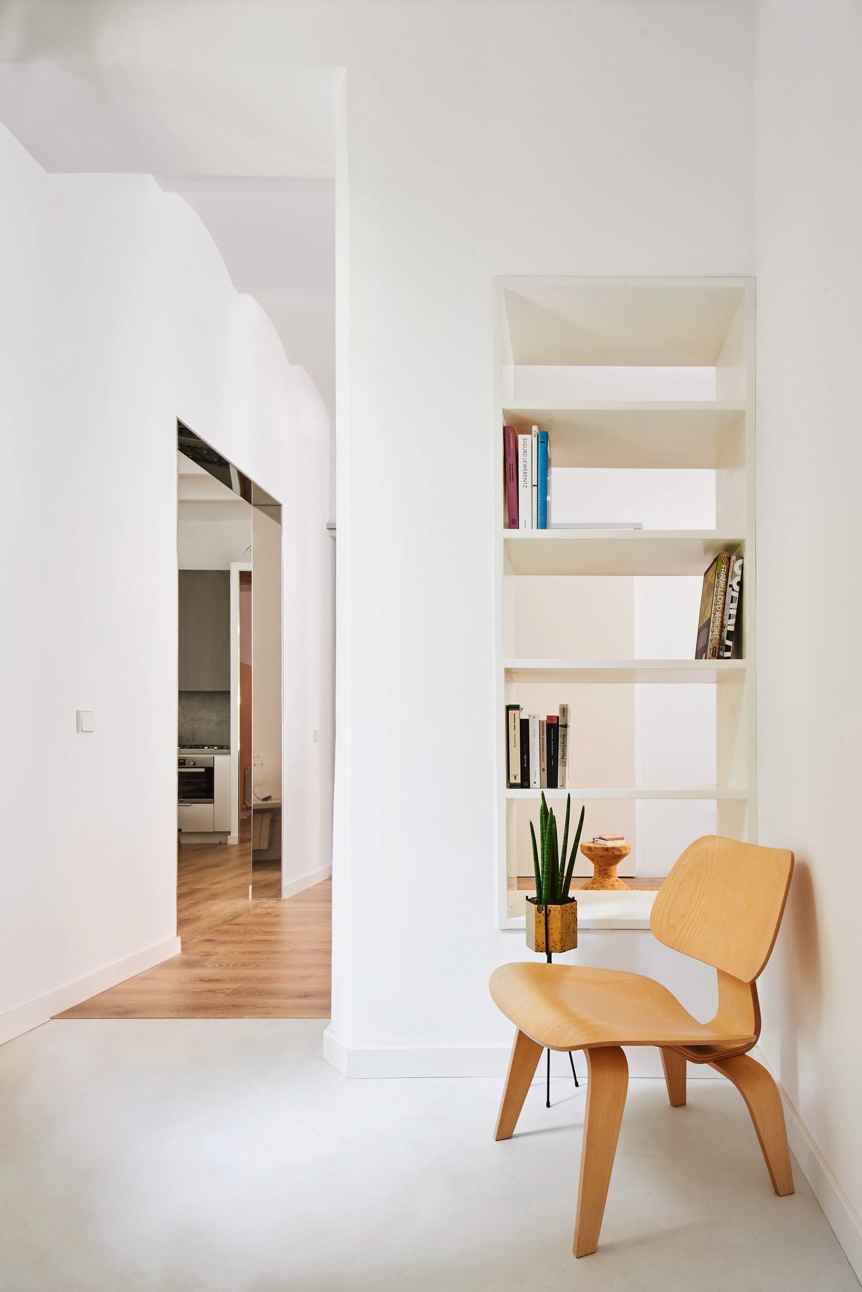 The Magic Box Apartment Raúl Sánchez Architects
