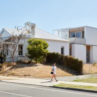 Marine house extension designed by David Barr Architects