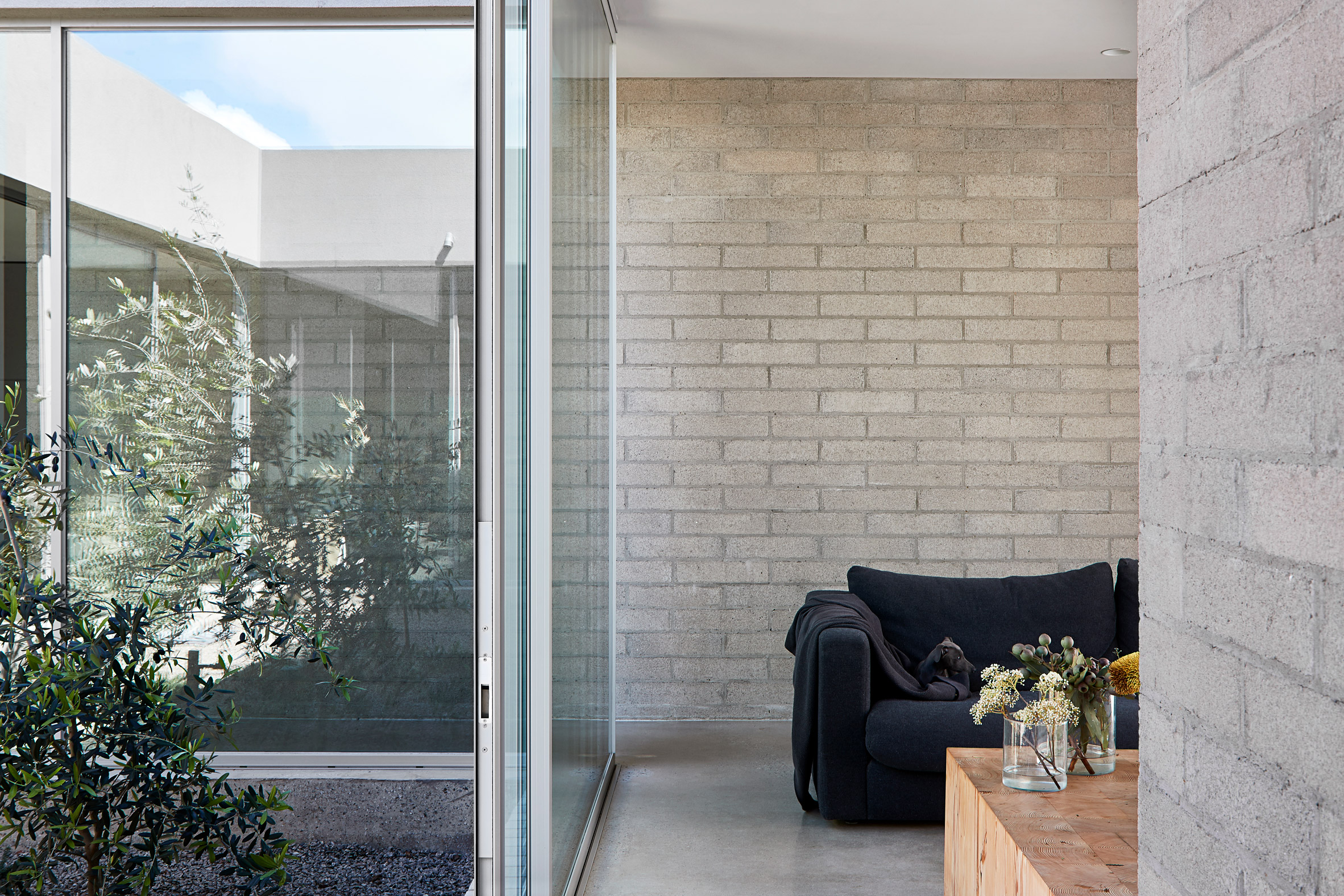 Ruxton Rise Residence in Melbourne designed by Studio Four