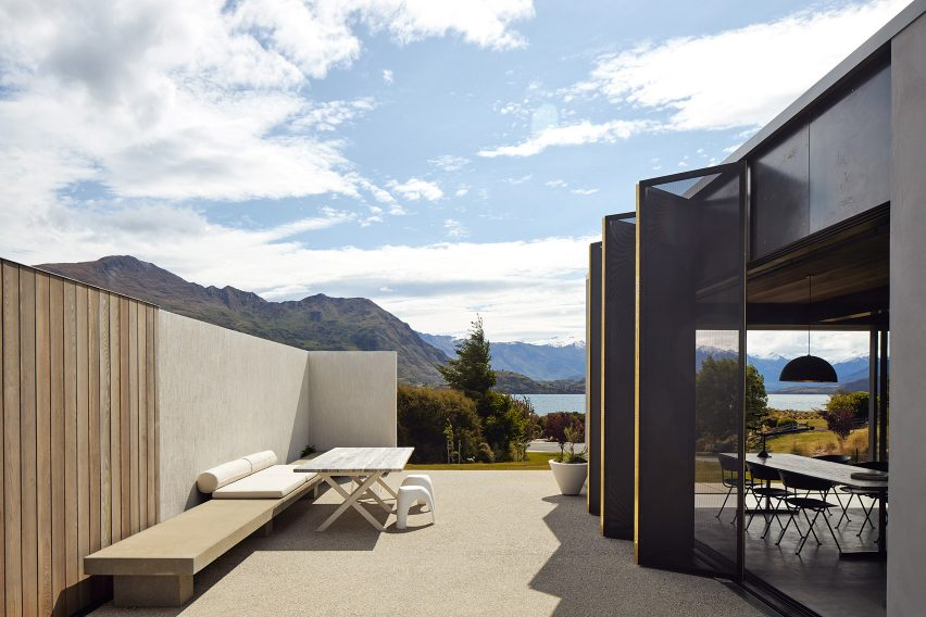 Te Pakeke house in Wanaka, New Zealand designed by Fearon Hay Architects