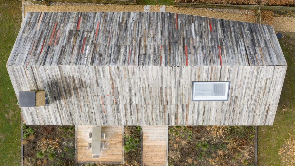 Pad Studio clads house in Hampshire with reclaimed timber from old barns