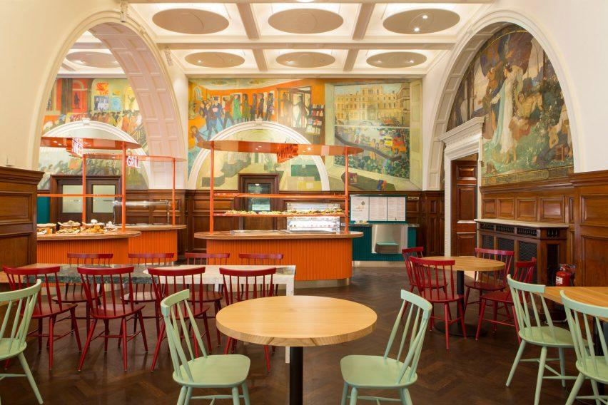 Royal Academy of Arts café por Transit Studio