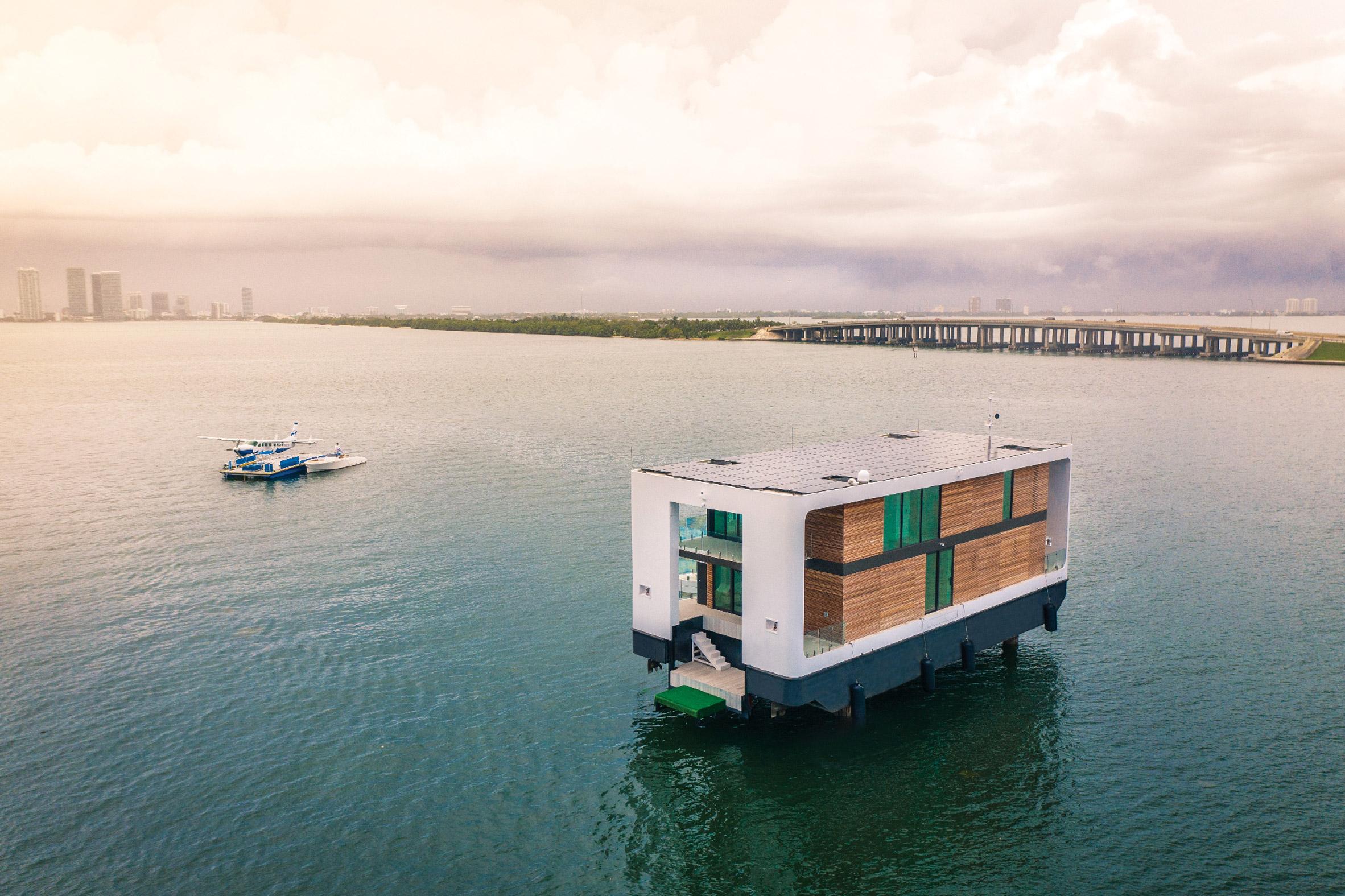 Arkup 75yacht villa by Waterstudio.NL
