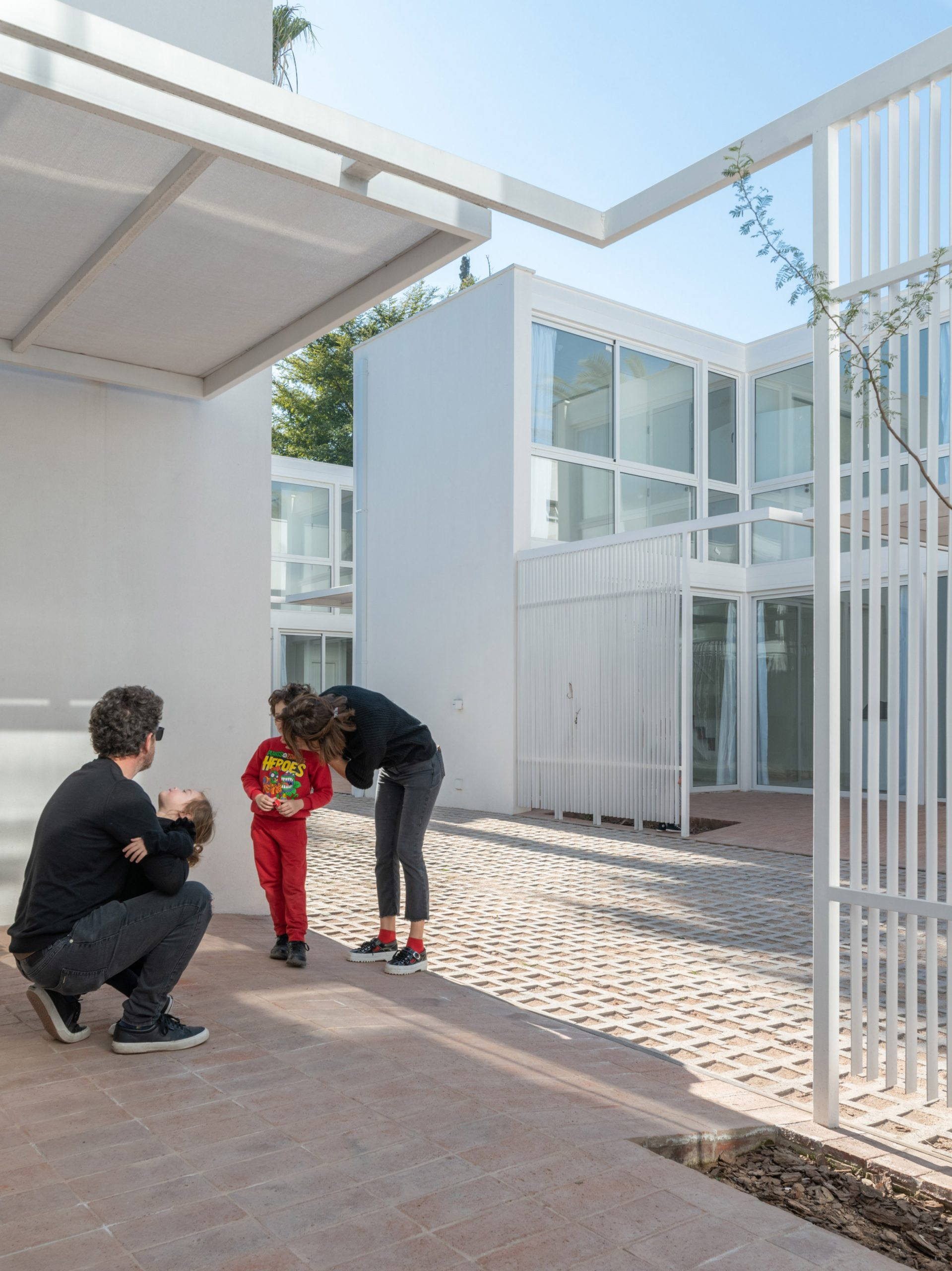 Azaleas housing inVilla Allende by Pablo Lorenzo