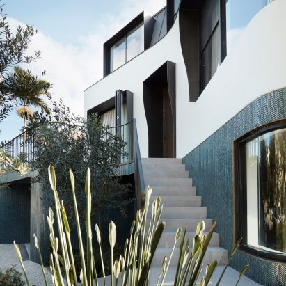 Bondi Bombora house in Sydney designed by Luigi Rosselli Architects