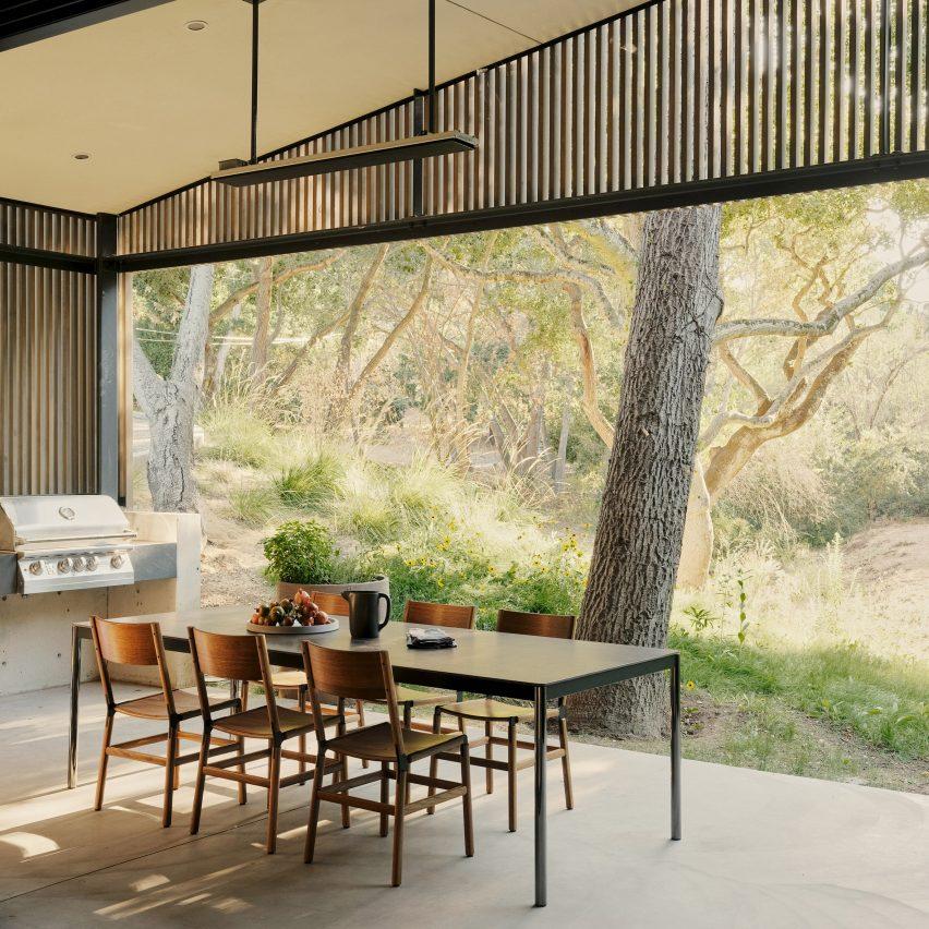 Dawnridge House by Field Architecture