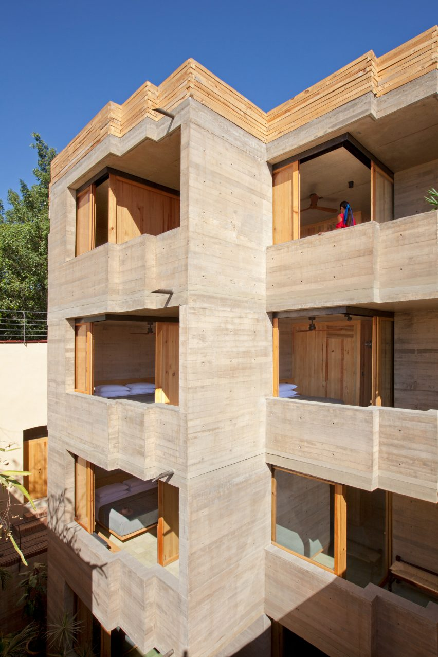 Concrete facade of Escondido Oaxaca Hotel by Decada Muebles