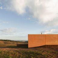 House in Cunha by Arquipelago