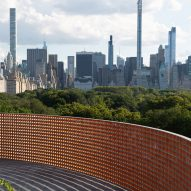 Héctor Zamora erects curved brick wall Lattice Detour on The Met rooftop