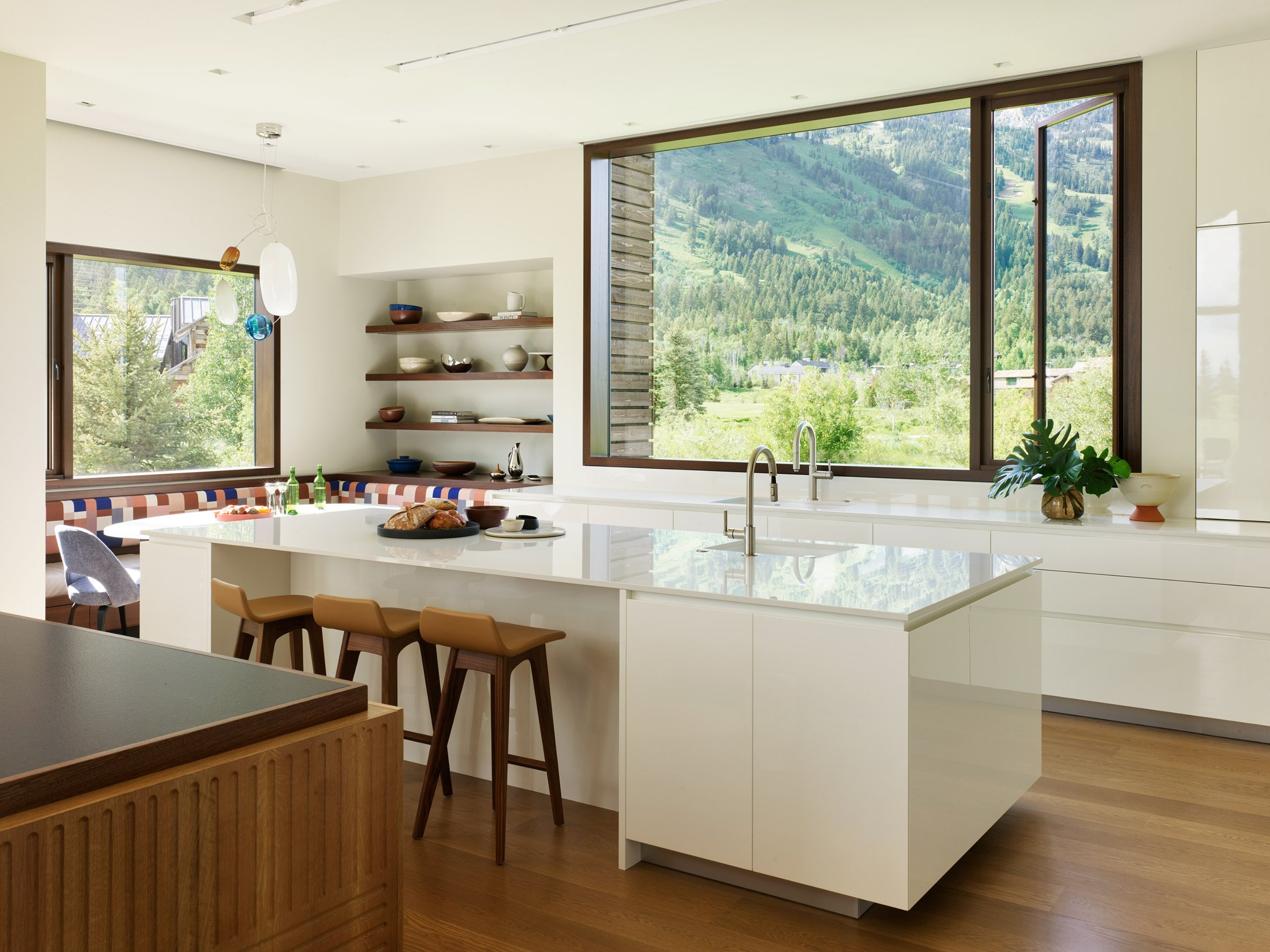 Lone Pine Residence by CLB Architects