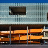 Dal Pian inserts bright orange staircase in São Paulo office building