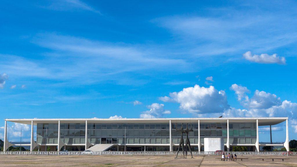 Anti-drone antennas set to be built on top of Oscar Niemeyer palaces in Brásilia