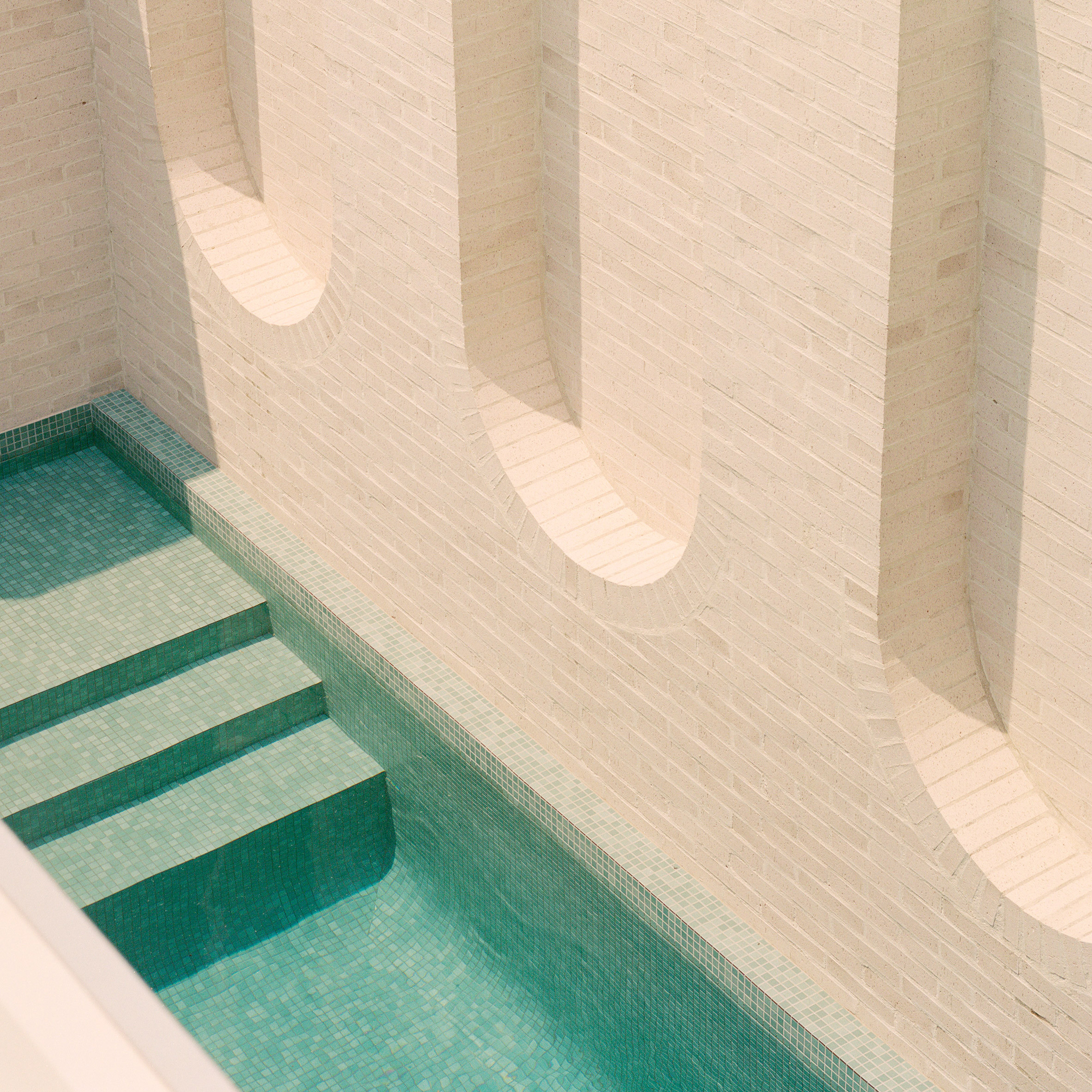 Architectural swimming pools: