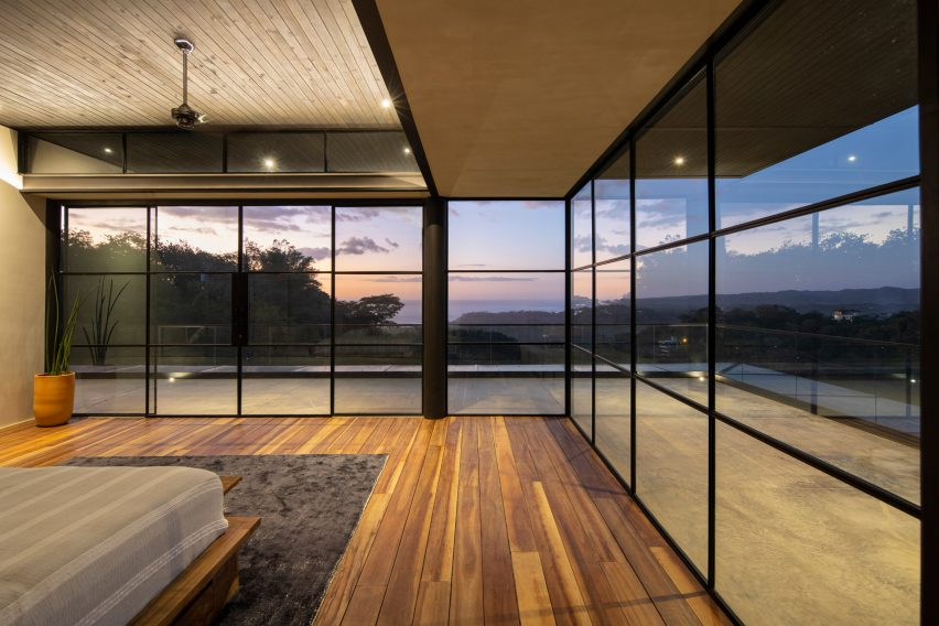 Tres Amores by Studio Saxe