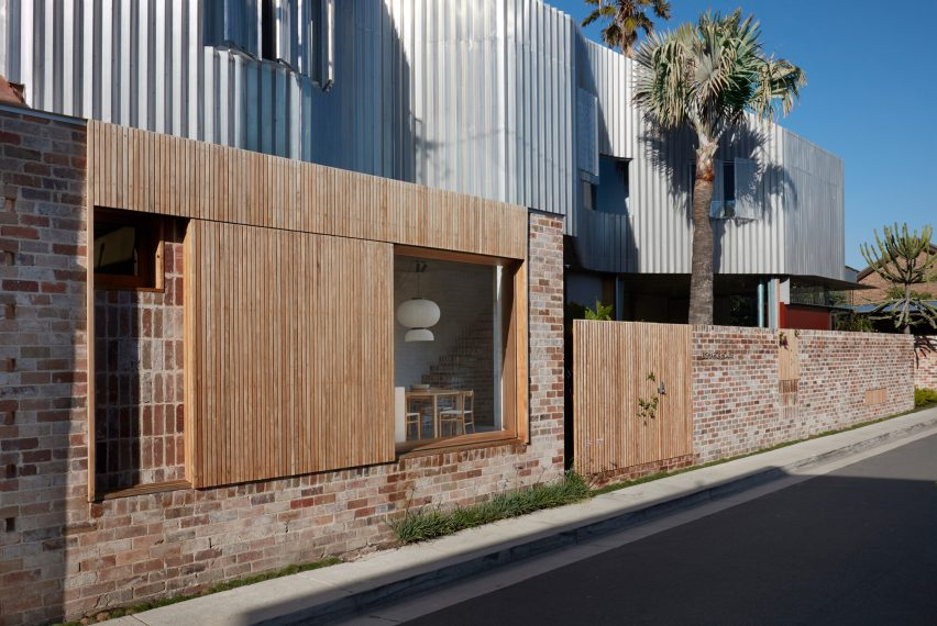 Front facade of Bismarck House by Andrew Burges Architects in Bondi, Sydney
