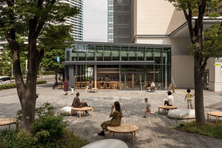 Exterior of Blue Bottle Coffee cafe in Minatomirai
