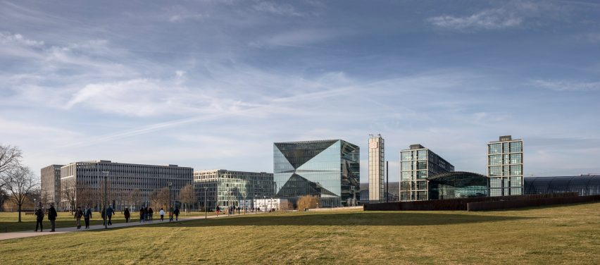 Berlin Cube office block in Washingtonplatz by 3XN