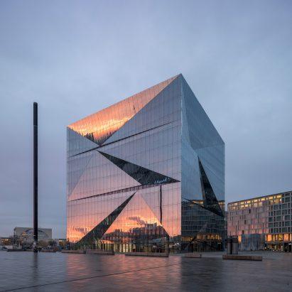 Berlin Cube office block in Washingtonplatz by 3XN