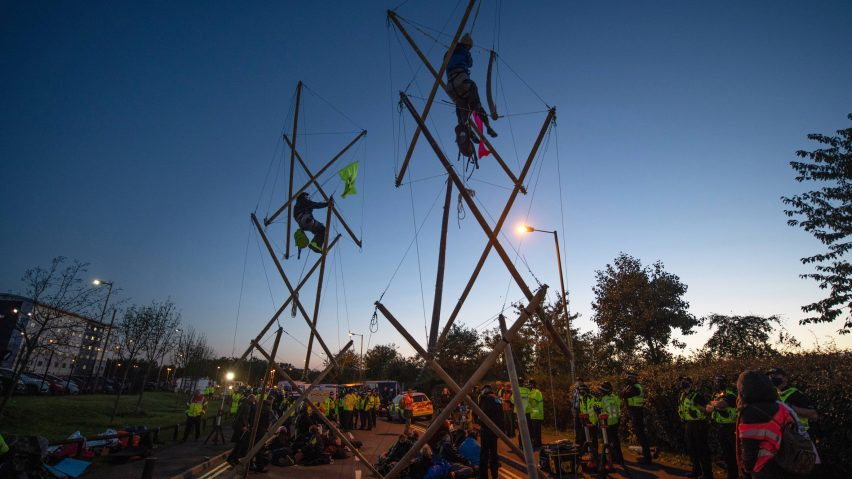 Extinction Rebellion create tensegrity structures to block printing presses