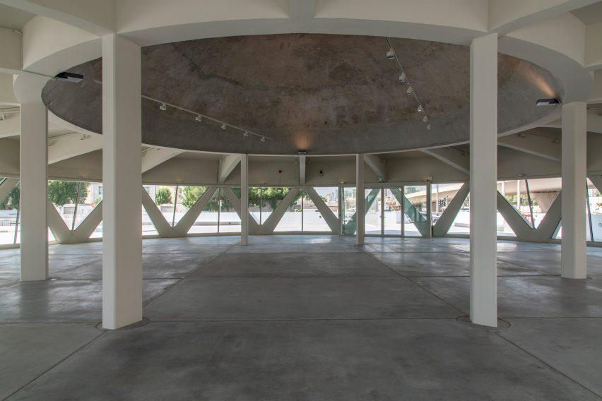 Cúpula de concreto em Sharjah