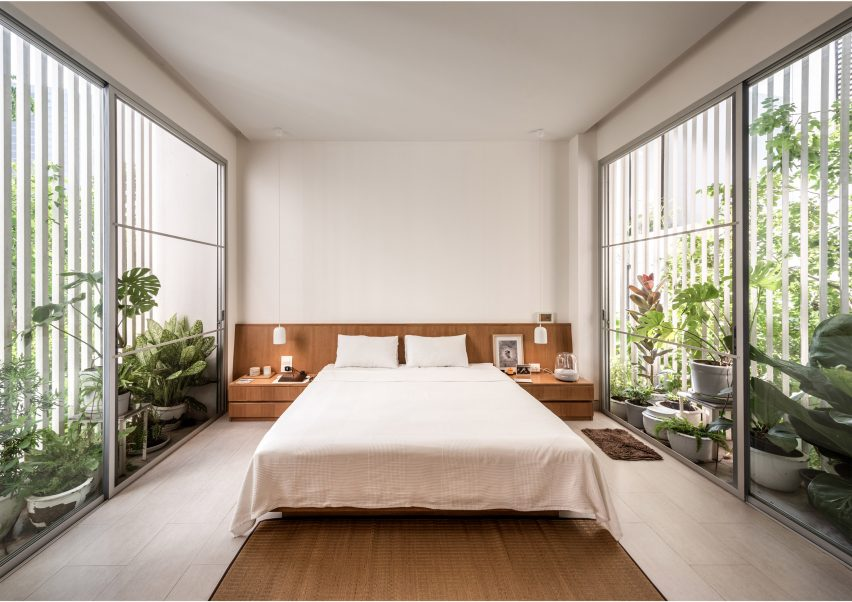 Master bedroom of the Forest House by Shma Company