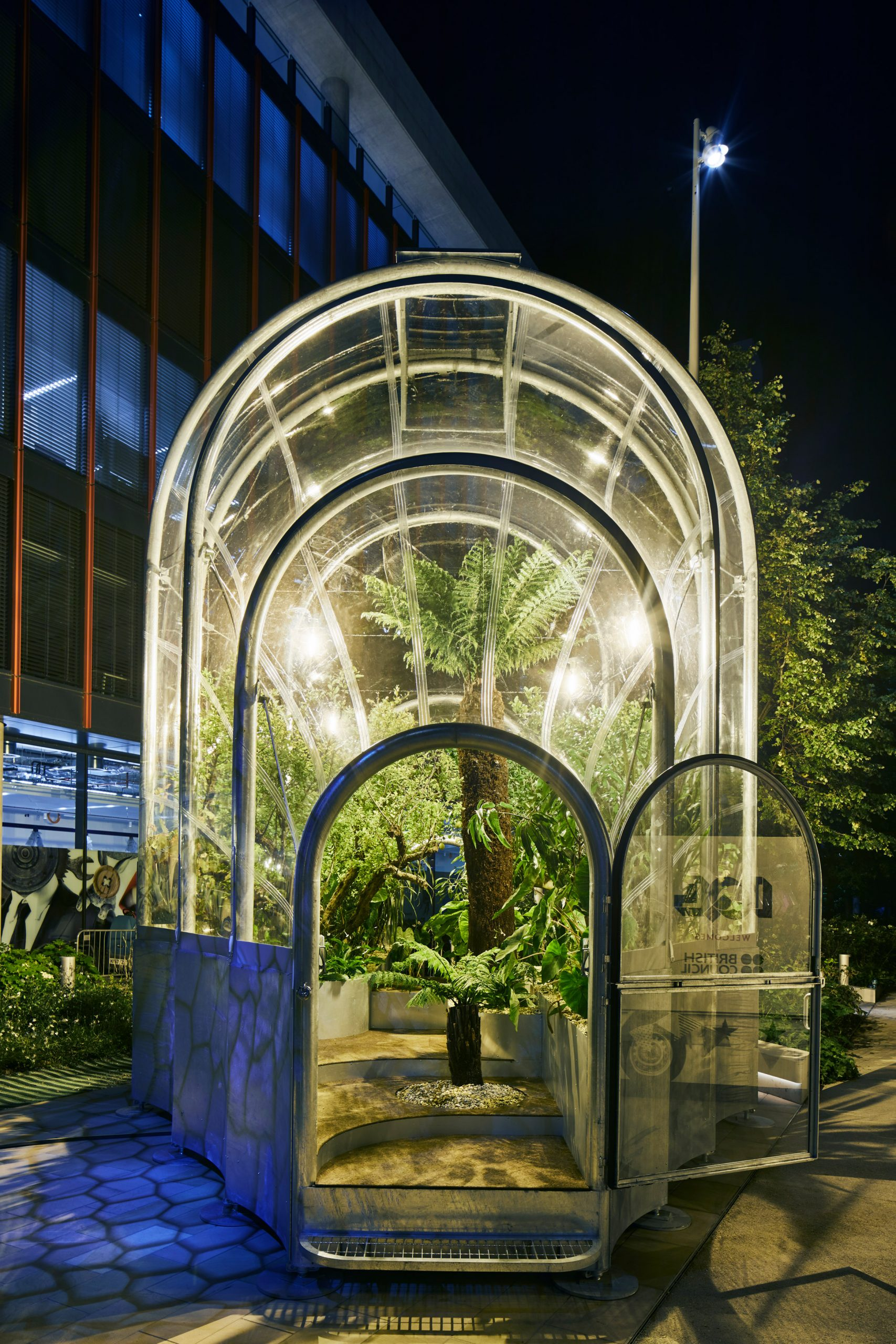 https://static.dezeen.com/uploads/2020/09/hothouse-studio-weave-climate-change-terrarium-london-design-festival_dezeen_2364_col_38-scaled.jpg