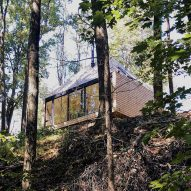 Ten eco-friendly dwellings where residents live off the grid