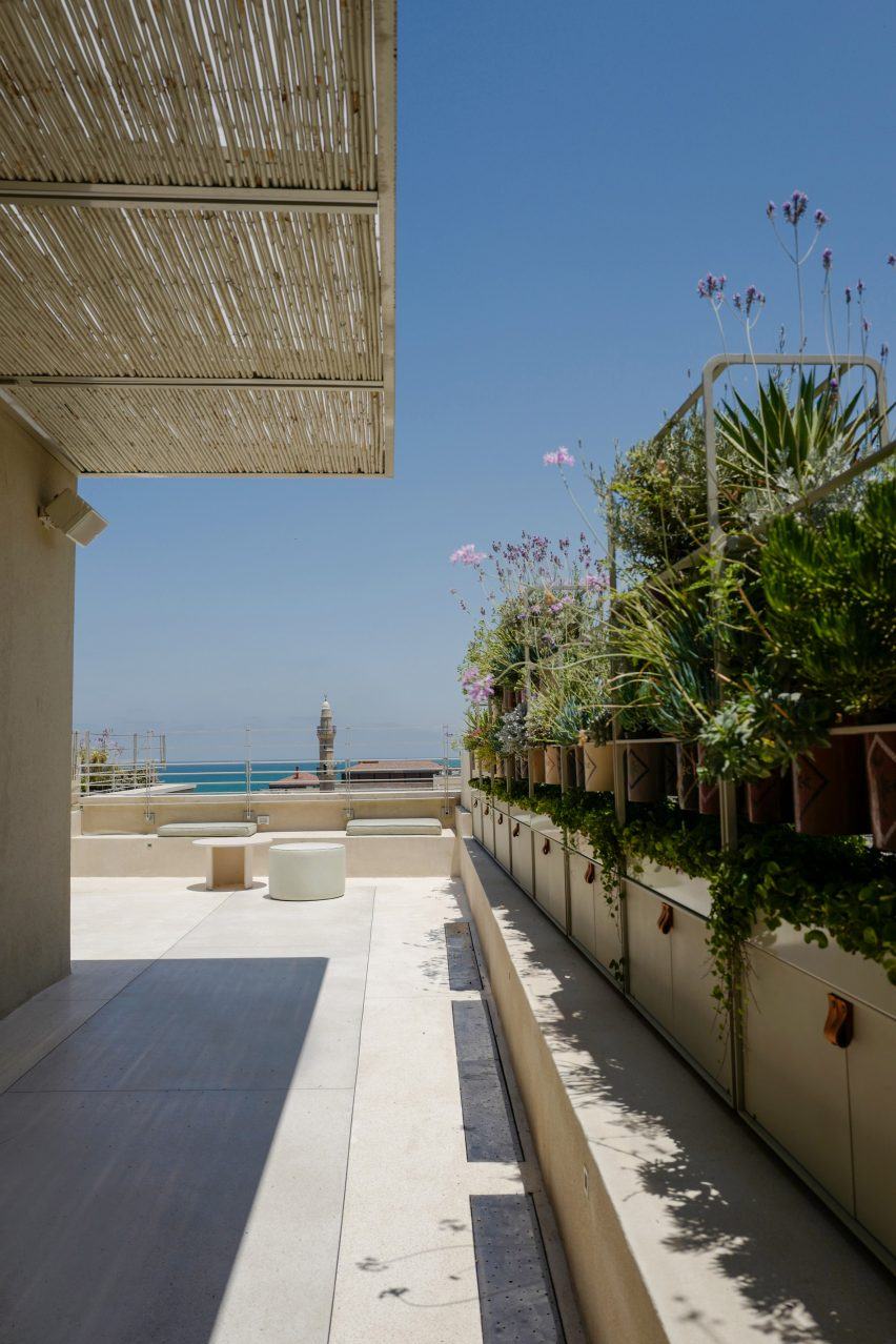 Jaffa Roofhouse by Gitai Architects