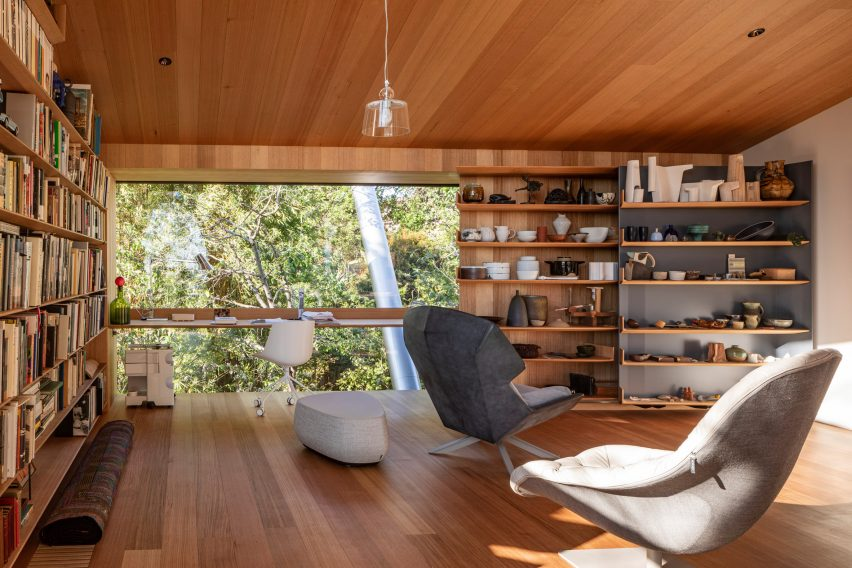 Study desk and shelves in Kew Residence by John Wardle Architects in Melbourne, Australia