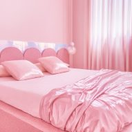 Bedrooms of Minimal Fantasy, a pink apartment in Madrid