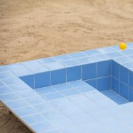 Piscinas tables and benches look like mini swimming pools