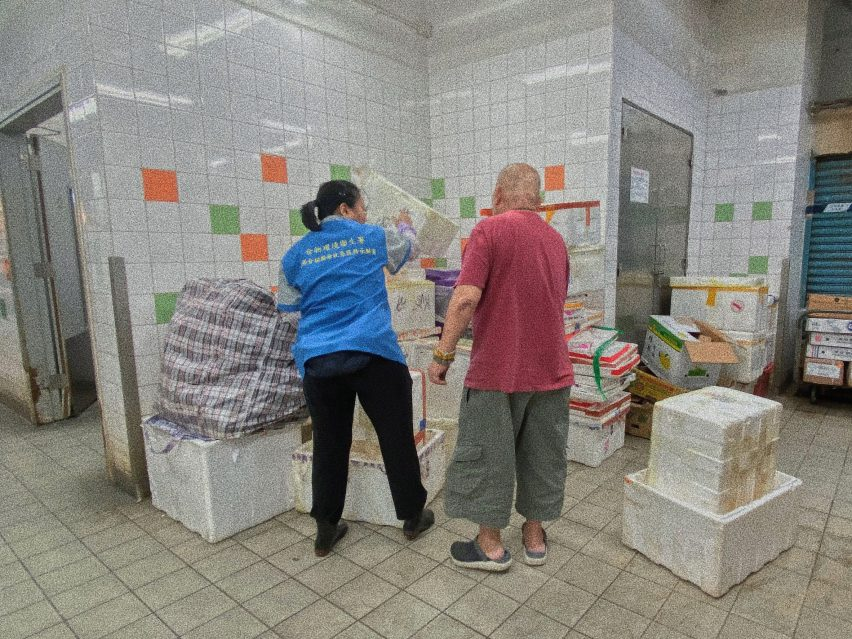 Visualising Community Relations in Fa Yuen Street Market by Long Hei Lester Law, Wing Se Wincy Lam and Lok Yi Claudia Choy