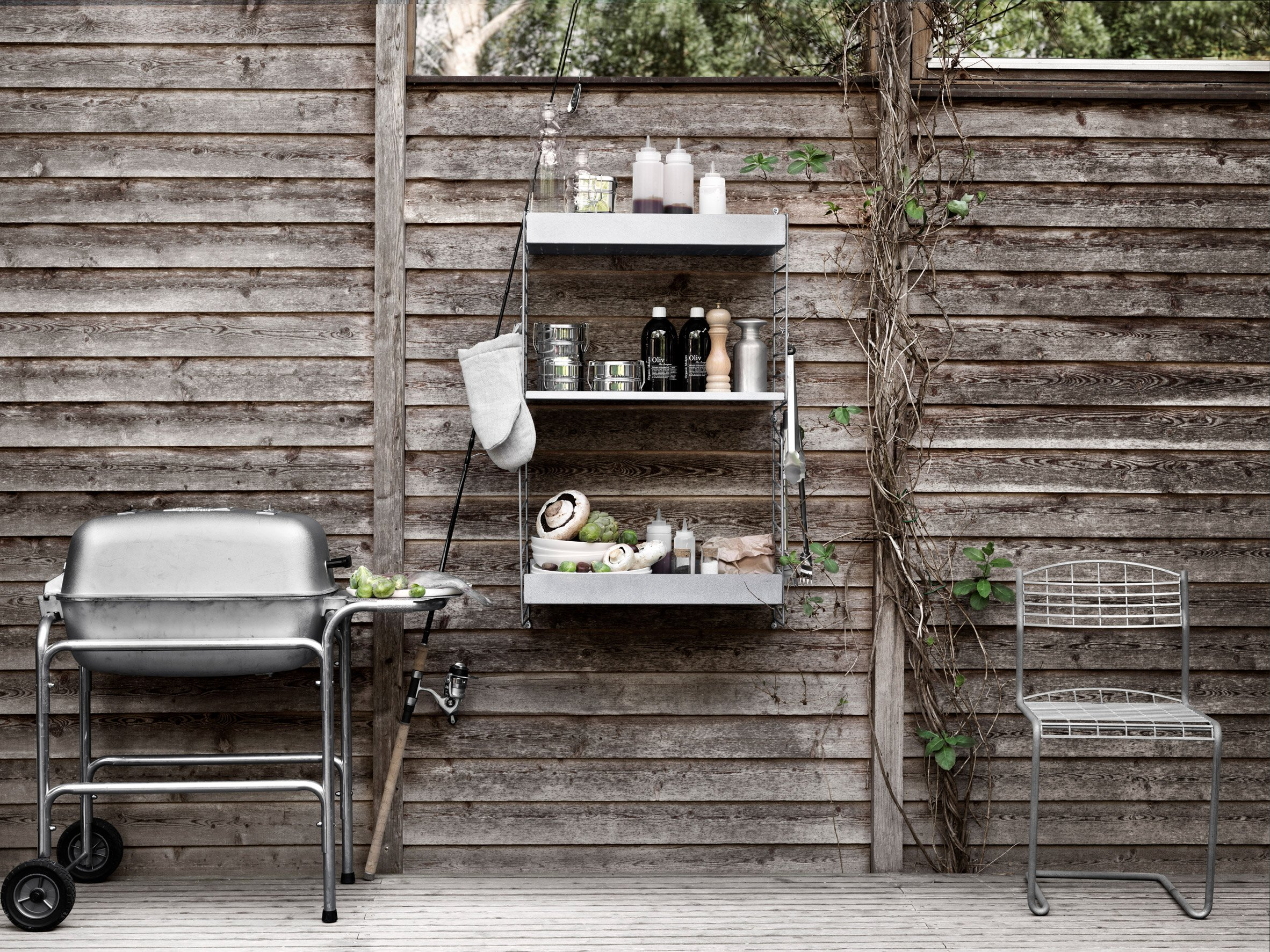 String outdoor shelving