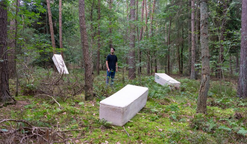 Bob Hendrikx designs Living Cocoon coffin from mushroom mycelium