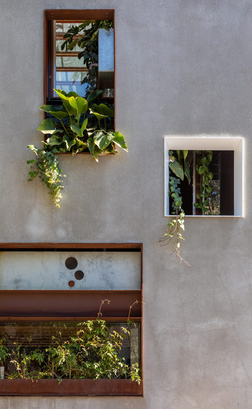 Bem-vindo à reforma da Jungle House em Sydney, Austrália, pela CplusC Architectural Workshop