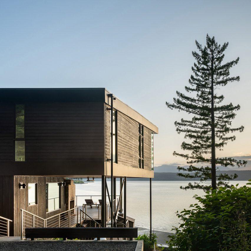 Exterior of Aldo Beach House in Washington by Wittman Estes