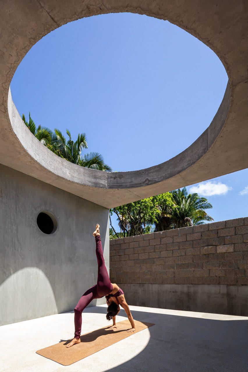 Yoga in Litibu by Palma