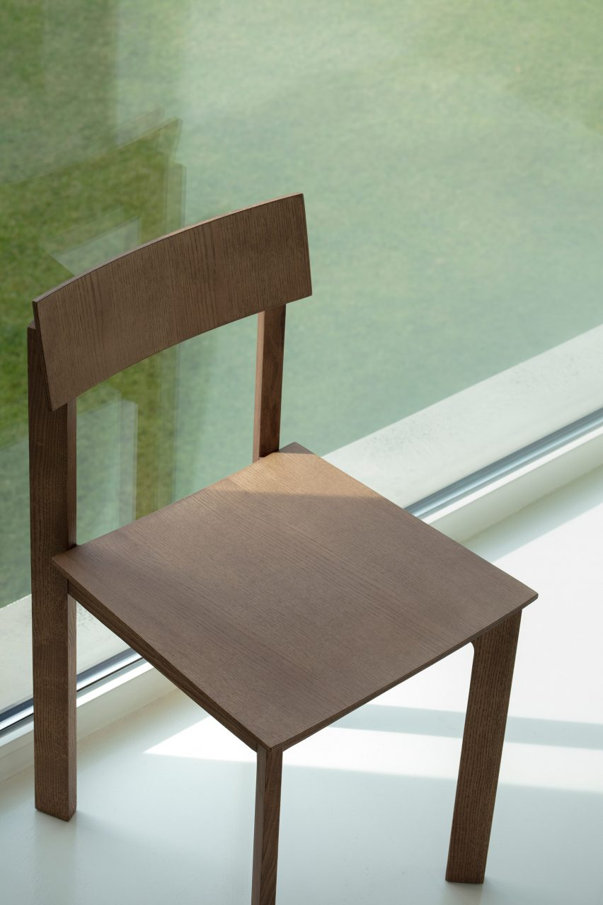 Candid chair by Note Design Studio in natural ash