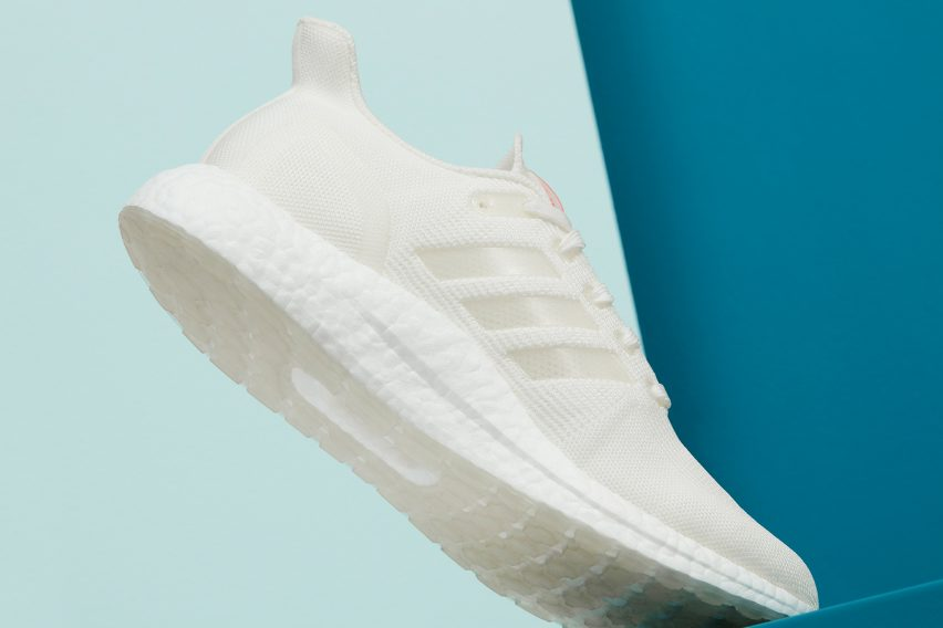 UltraBOOST DNA LOOP trainer