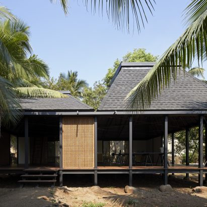 Exterior of Mumbai Artist Retreat by Architecture Brio in Alibag, India