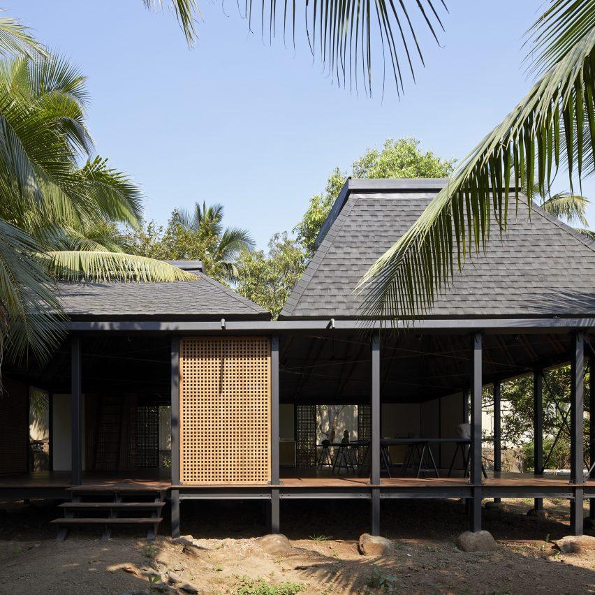 Architecture Brio raises artist's cabin on stilts in India