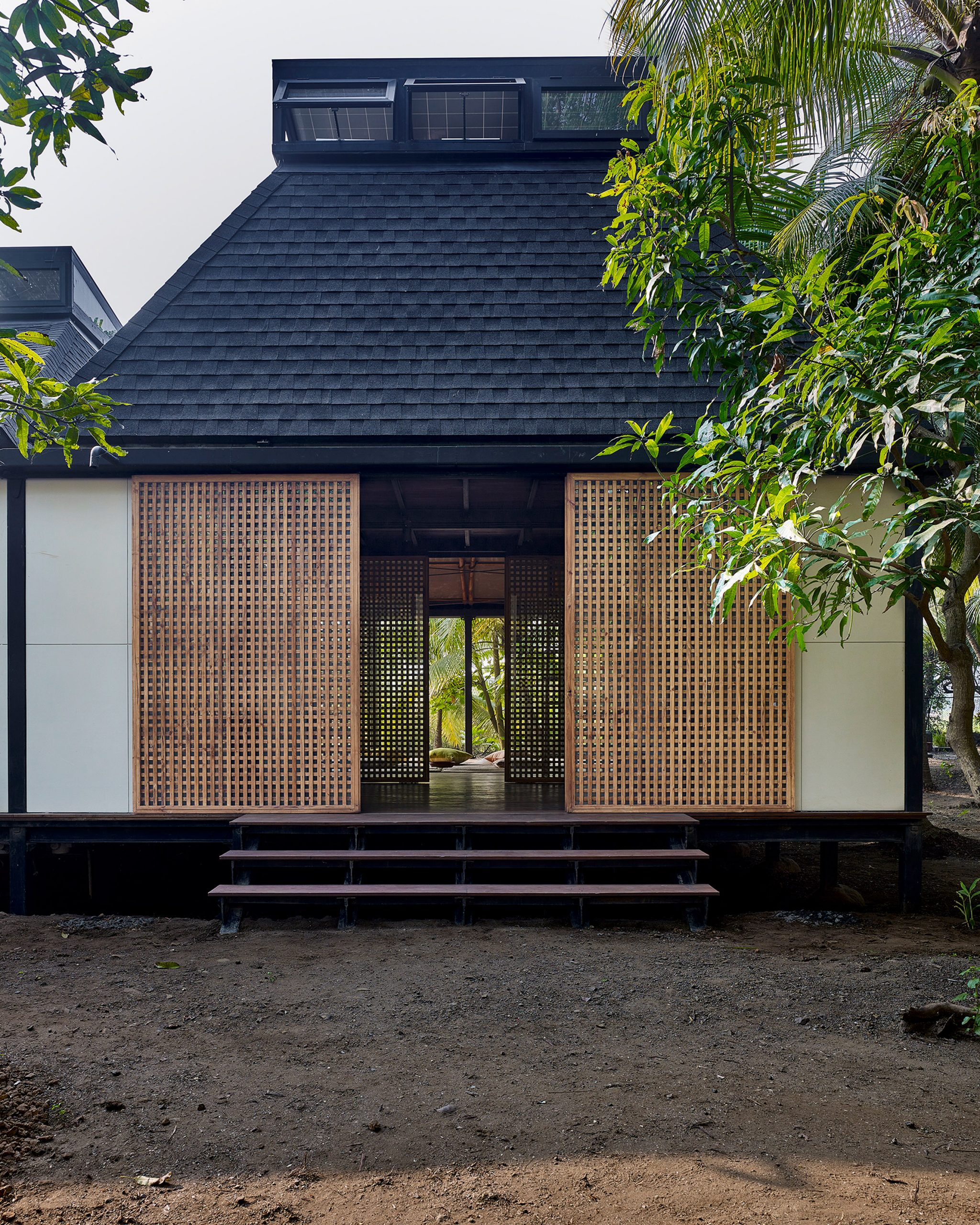 Mumbai Artist Retreat by Architecture Brio in Alibag, India