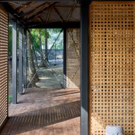 Timber screen walls of Mumbai Artist Retreat by Architecture Brio in Alibag, India