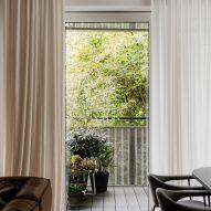 Living room of Botaniczna Apartment by Agnieszka Owsiany Studio